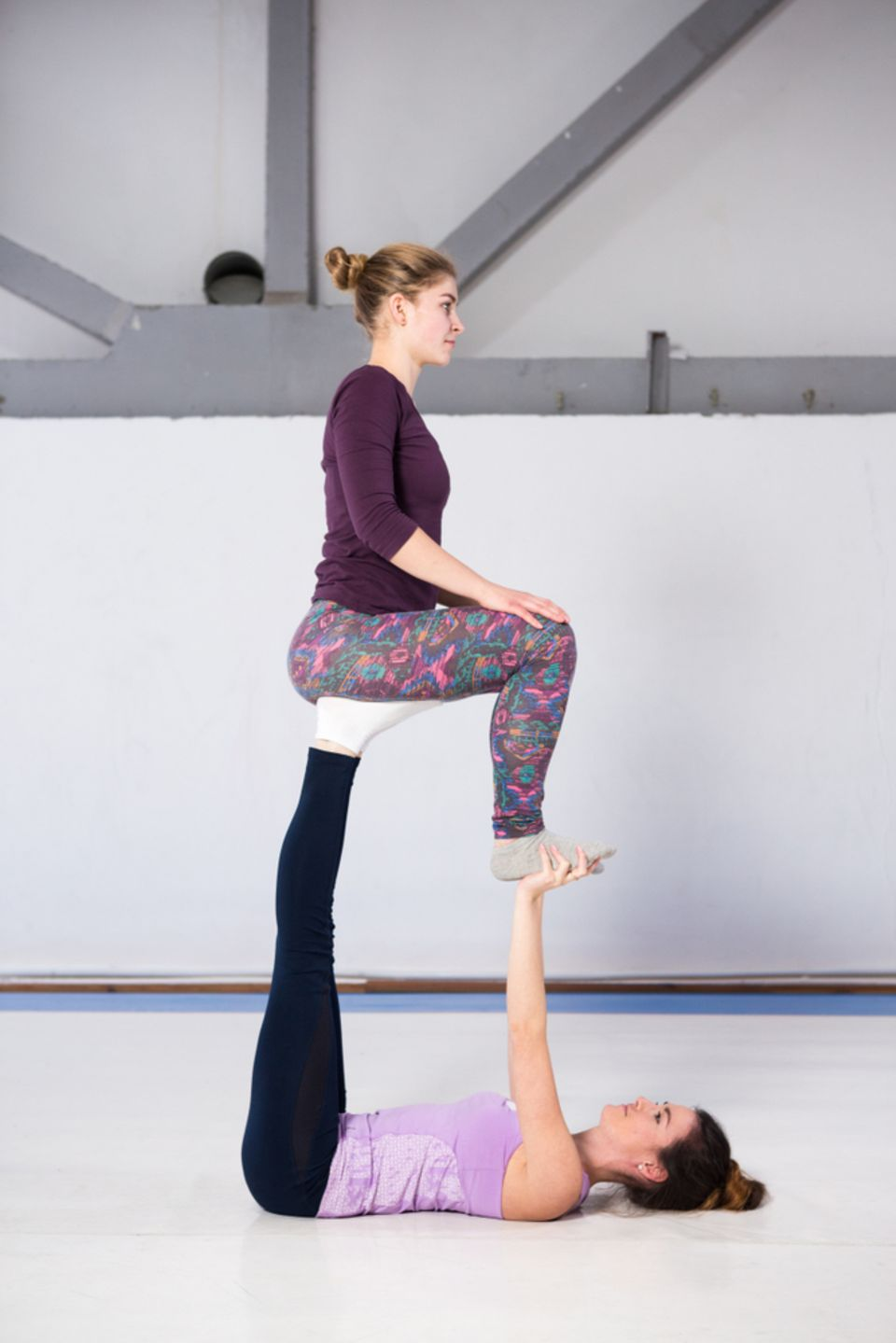 Acro Yoga: Throne