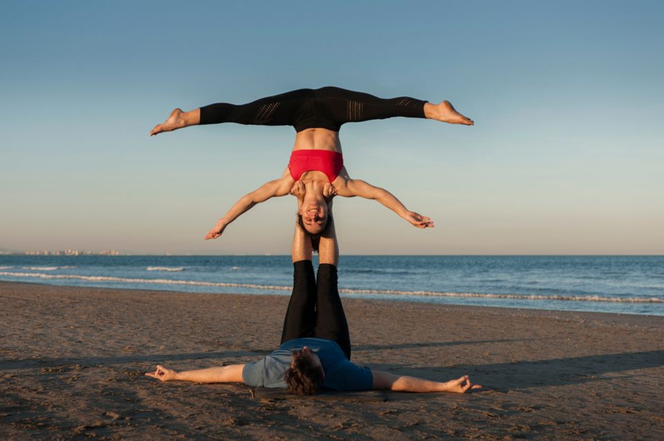 Acro Yoga: Star