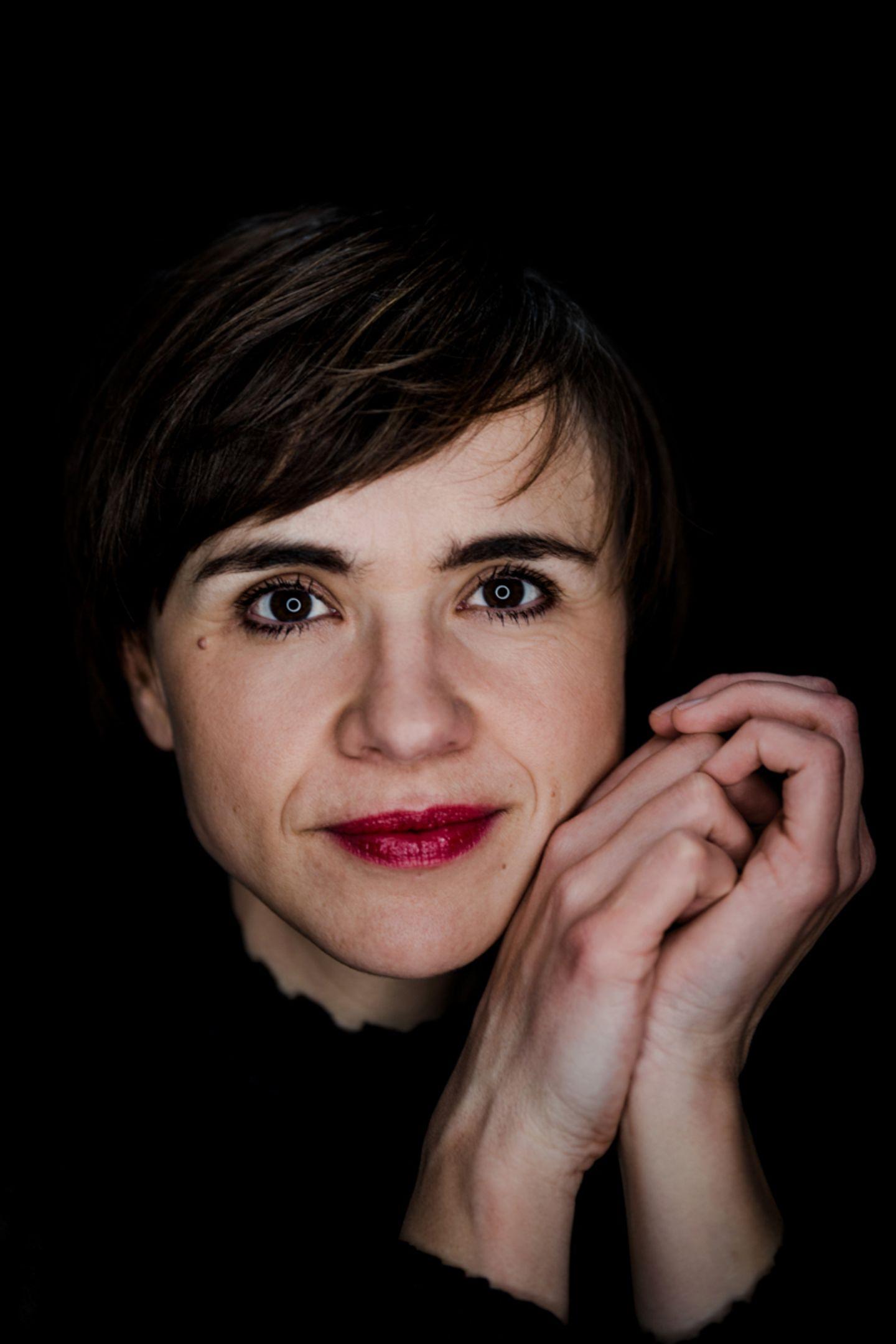Abgeschminkt: Frau mit Make-up