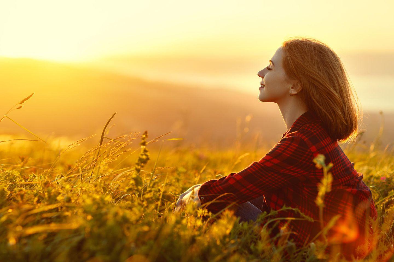 Horoskop: Eine Frau mit einer magischen Aura