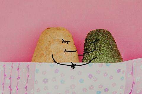 Kartoffel und Avocado im Bett