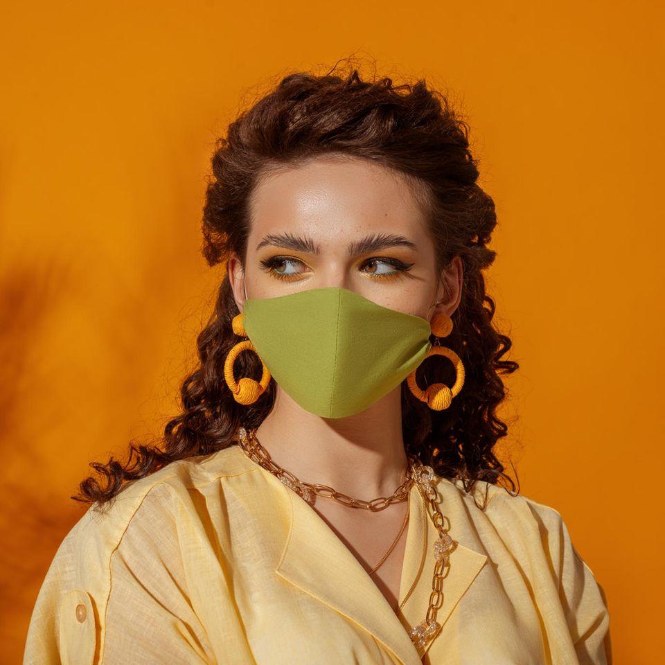 Voll verfangen?: Diese Ohrringe können wir auch mit Maske tragen