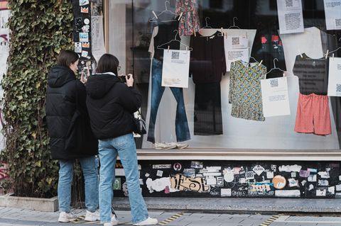 Ausstellung: Kleidung im Schaufenster