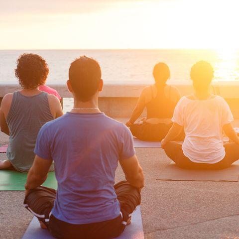 Meditationsarten: Gruppe meditiert