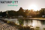 Im nordrhein-westfälischen Borkenberge erwartet euch der Naturpott. Der komplett renovierte Campingplatz bietet250 Stellplätze: 100 davon Touristen- und 150 Jahrescamper-Plätze, außerdem 3Glampingzelteund ein Zeltwäldchen sowie 4 Dachzeltunterkünfte. Und nicht nur das ...