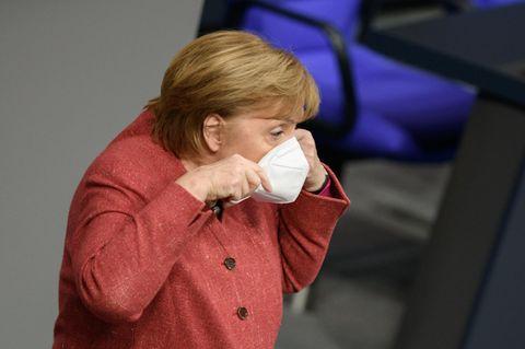 Corona aktuell: Angela Merkel mit Maske