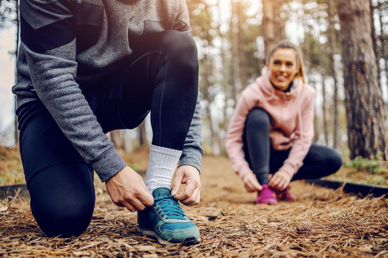 Joggen mit dem Partner: Paar beim Joggen