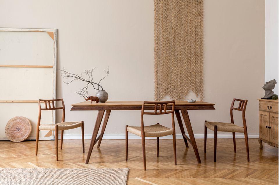Esszimmer Deko: Esszimmer mit Tisch und Stühlen