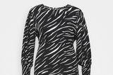 Zebramuster gehört aktuell zu den angesagtesten Prints und sollte in jedem Kleiderschrank zu finden sein. Wie wäre es mit diesem Modell? Von New Look, um die 35 Euro.