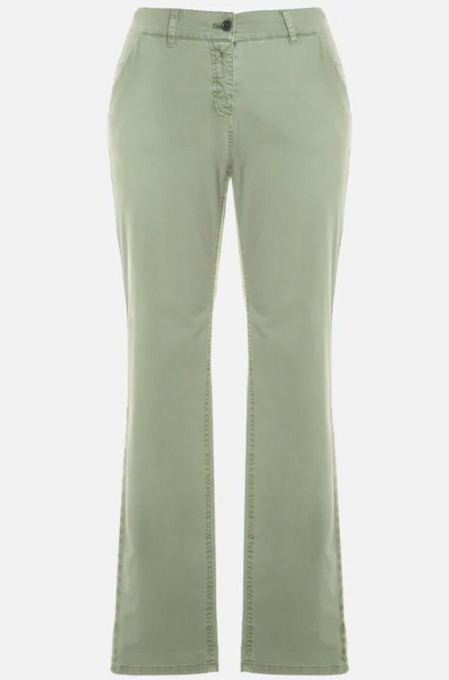 Jeanshosen kommen 2021 nicht mehr nur blau daher. Pastellfarben wir Mintgrün, Flieder oder Butterblumengelbsind gerade mega angesagt. kein Wunder also, dass es uns diese Hose angetan hat, oder? Von Ulla Popken, um 60 Euro.