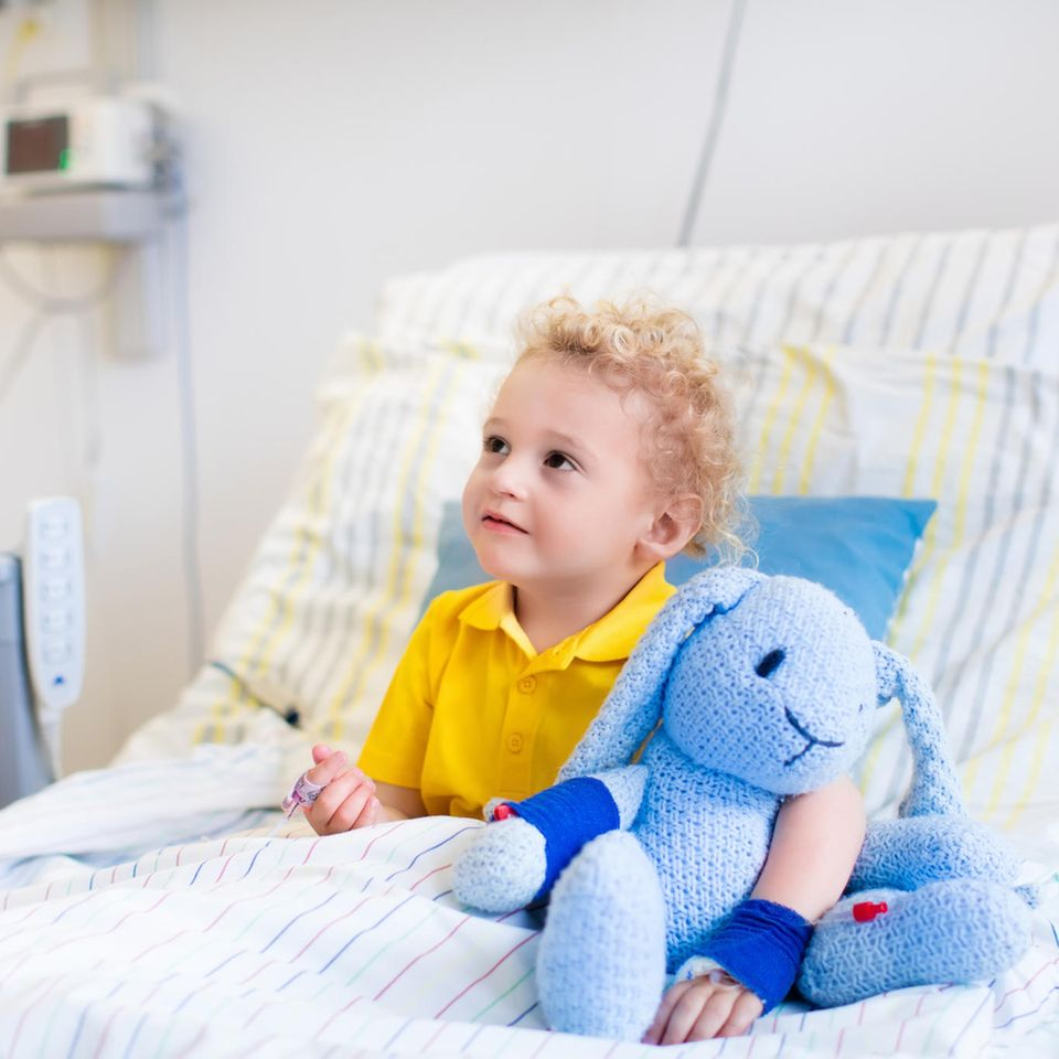 Corona aktuell: Kind im Krankenhaus