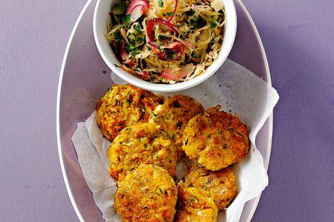 Gemüse-Halloumi-Buletten mit Sauerkraut