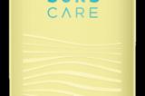 Eine Freundin erzählte mir von dem Sonnenschutz von Suns Care, den sie neu für sich entdeckt hat. Da sie mir schon häufiger gute Tipps gegeben hat, habe ich mir die Cremes mit LSF 30 und LSF 50 direkt bestellt. Da ich sehr empfindlich bin, was Gerüche angeht, freue ich mich riesig darüber, dass die Suns Care-Produkte quasi geruchsneutral daherkommen. Die Cremes ziehen gut und schnell ein und hinterlassen keinen fiesen Glanz-Film. Meine Haut fühlt sich nach dem Eincremen wunderbar weich an. Das erste etwas längere Sonnenbad in der Küche habe ich dank der Cremes gut geschützt verbracht. Dass die Flakons und die Verpackung zu 100 % recyclebar sind, runden für mich das Ganze noch ab. Ich bin begeistert und froh über die neuen Sonnenbegleiter und natürlich über meine gute Freundin, die mir diesen Tipp gegeben hat. Für etwa 23 Euro erhältlich.  Katrin, Community-Redakteurin