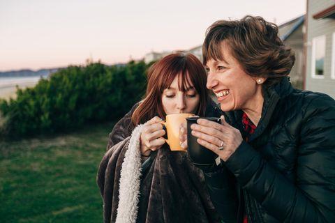 Pubertierende Kinder: Mutter mit Tochter