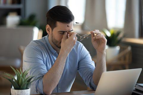 Stressfaktoren: Mann ist erschöpft