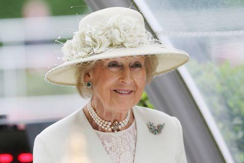 Wo ist diese Royal abgeblieben? Queen Elizabeth und Prinzessin Alexandra