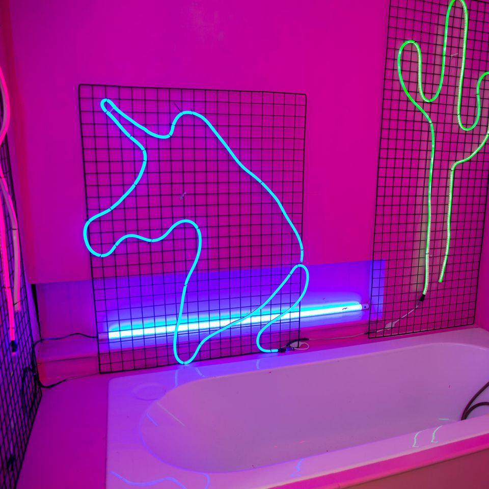 Wohntrend Neon: Buntes Badezimmer