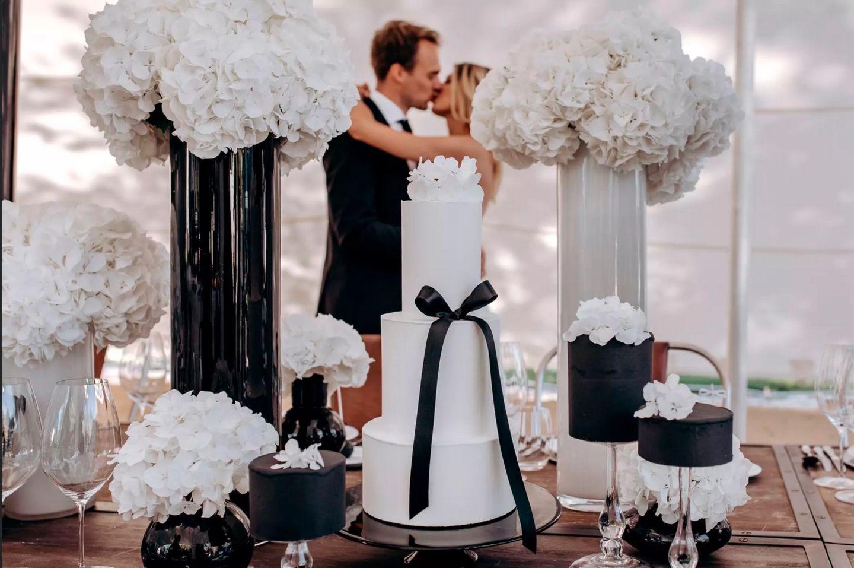 Wedding Award: Brautpaar und Torten