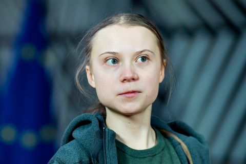 """Bring dich um"": Greta Thunberg mit ernstem Blick"