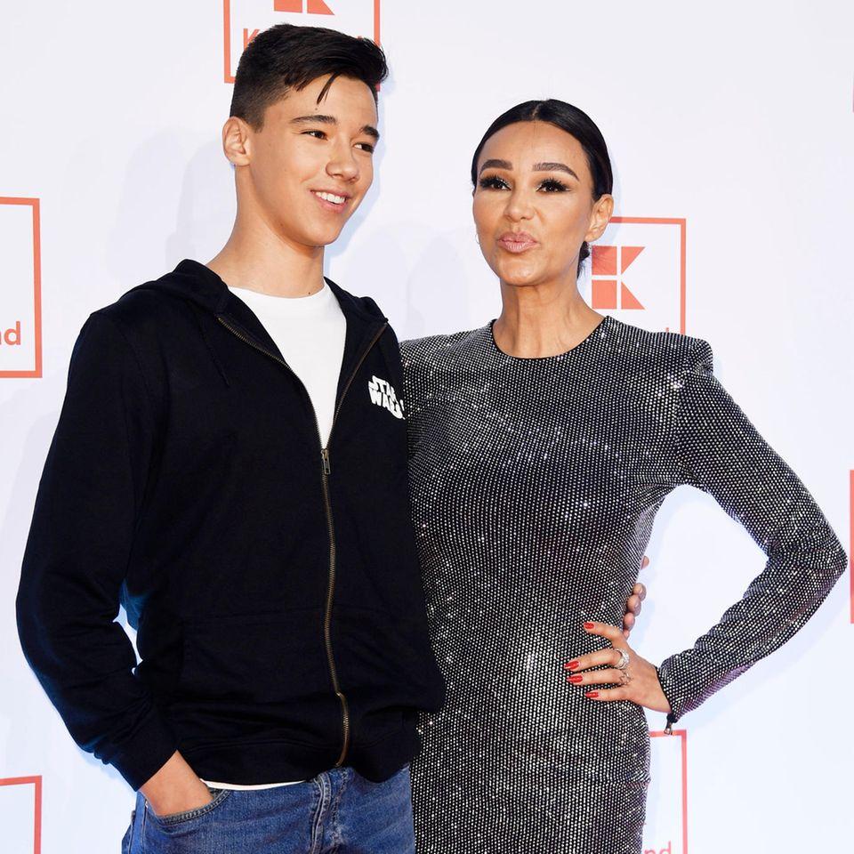 Verona Pooth: Sohn Diego machte Schockerfahrung im Escort-Hotel in Dubai: Beide auf dem roten Teppich