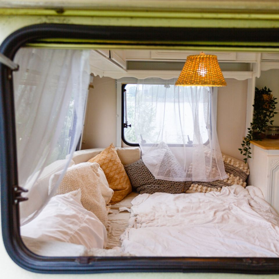Wohnwagen einrichten: Wohnbereich im Wohnwagen