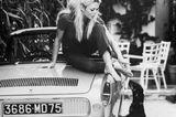Haustiere: Brigitte Bardot mit Dackel