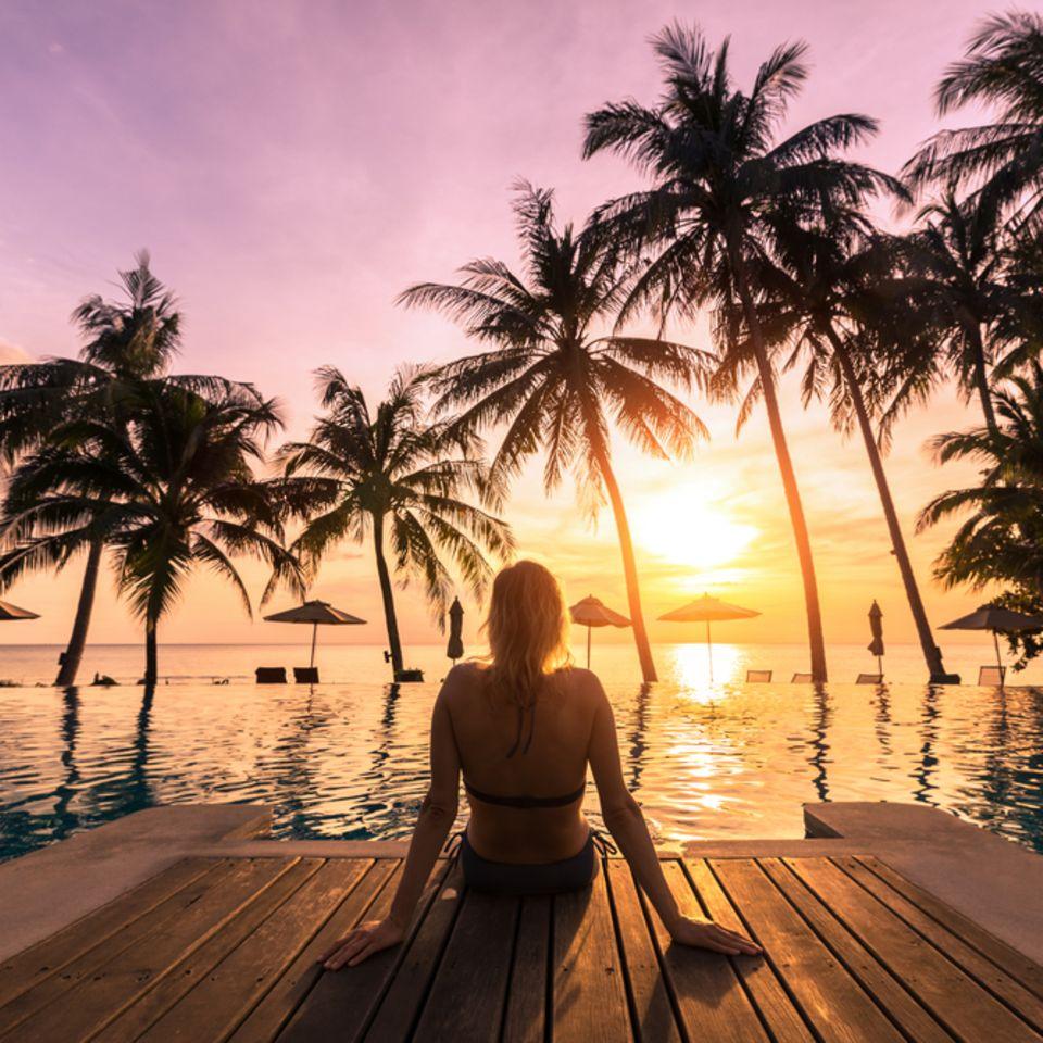 Urlaub genießen: Frau am Meer
