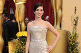 Oscar-Looks: Anne Hathaway 2010