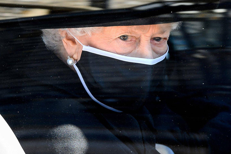 """Queen Elizabeth: """"Ich sende Ihnen meinen aufrichtigen Dank"""": Die Königin im Auto vor der Trauerfeier"""