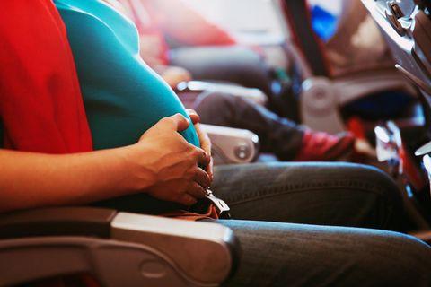 Baby wird in Flugzeug geboren