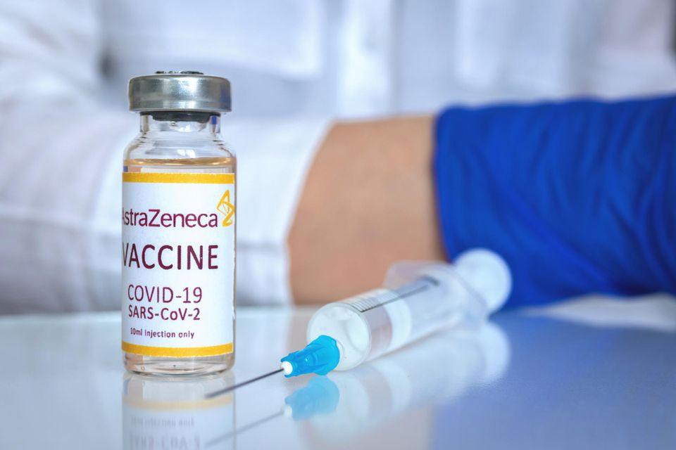 Astrazeneca bleibt liegen: Impfstoff Astrazeneca