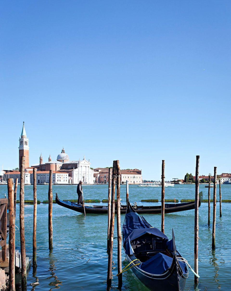 Von Venedig bis Florenz: Venedig mit Gondeln und Markusplatz