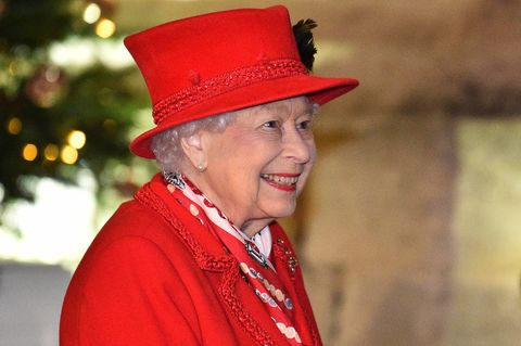 Queen Elizabeth gratuliert Archie zum Geburtstag: Queen Elisabeth lächelt und klatscht