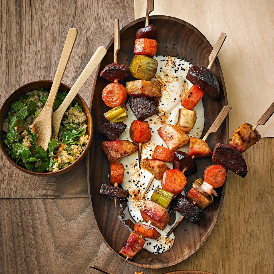 Gemüse-Kebabs mit Taboulé