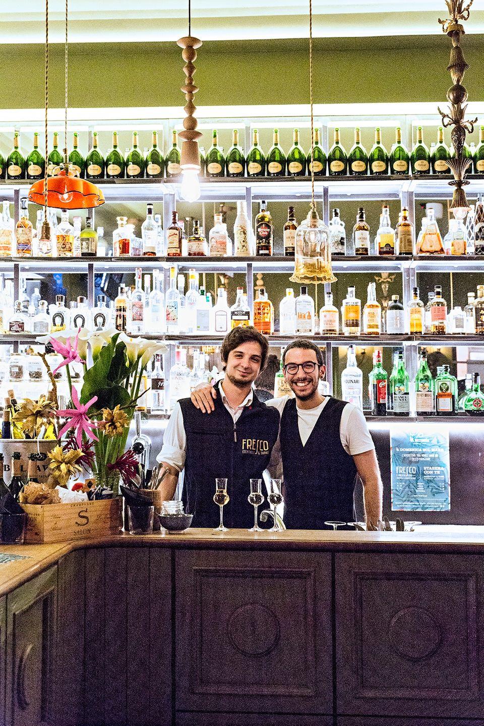 Von Venedig bis Florenz: Zwei Männer hinter der Bar