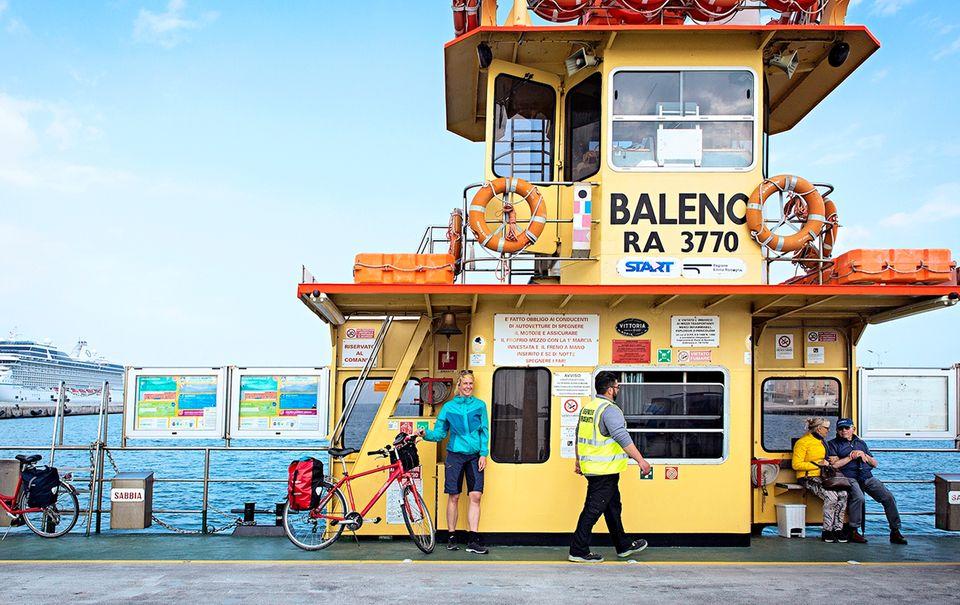 Von Venedig nach Florenz: Rustikale Fähre nach Marina di Ravenna