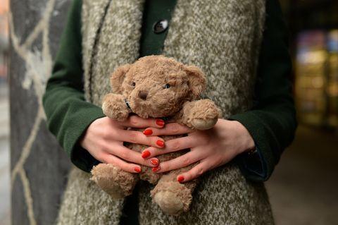 """Australische """"Mutter des Jahres"""": Frau mit Teddy"""