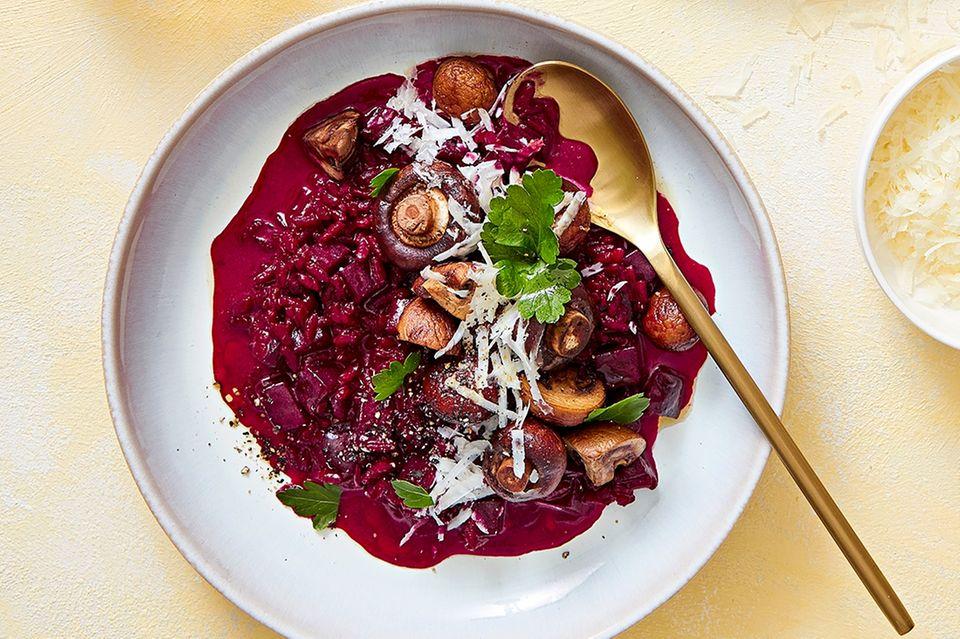 Rote-Bete-Risotto mit Pilzen