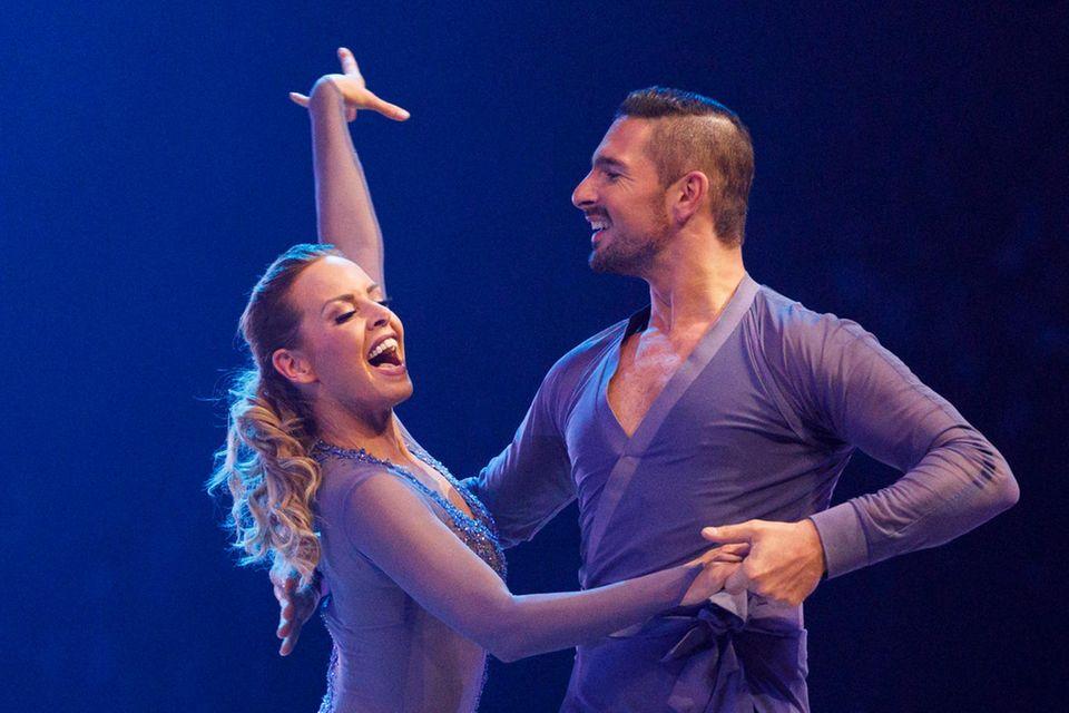 """Isabel Edvardsson und Benjamin Piwko bei """"Let's Dance"""" im Jahr 2019"""
