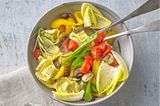 Tortelloni-Salat mit Pfannengemüse