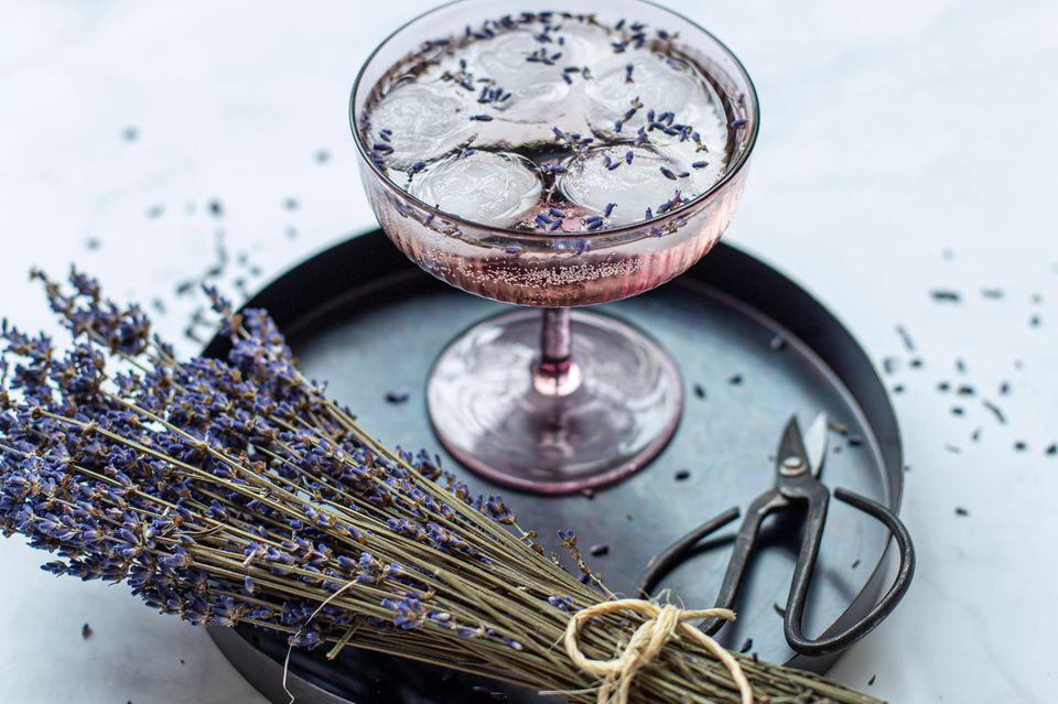Weincocktails: Rosé mit Lavendel