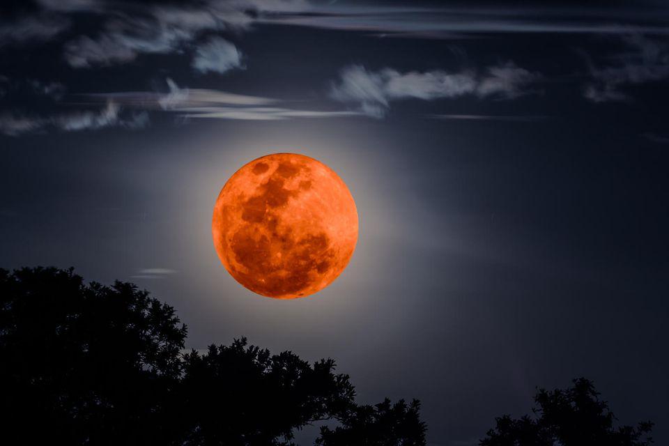 Super-Blutmond am 26.5.2021: 3 Sternzeichen, die ungeahnte Kräfte kriegen