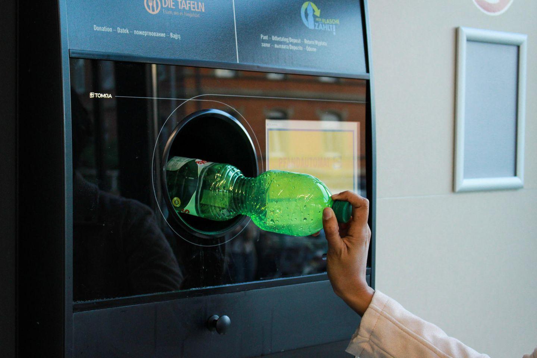 Gesetzesnovelle: Pfandflasche im Pfandflaschenautomat