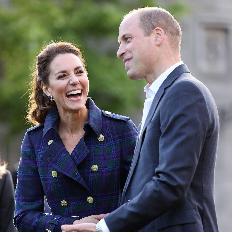 Royals: Herzogin Catherine und Prinz William: Erwischt! Date-Night in Schottland: Das Paar lacht gemeinsam