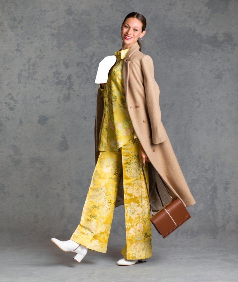 Fair Fashion: Wollmantel über Hose und Bluse
