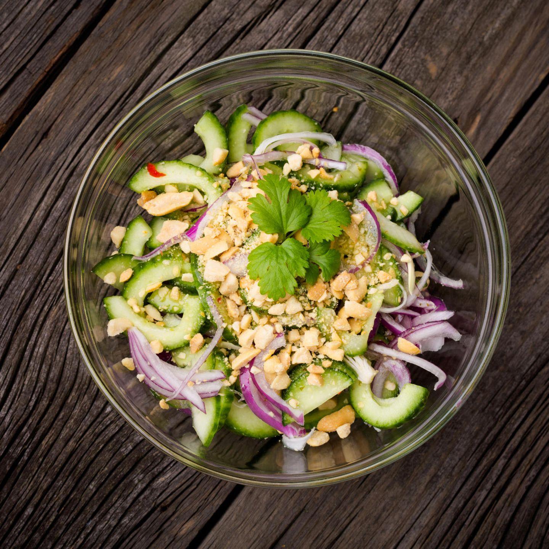 Asiatisch grillen: Gurkensalat