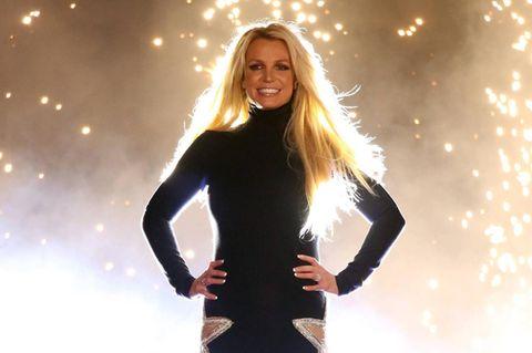 """""""Eine der außergewöhnlichsten Frauen"""": Britney Spears schwärmt von Prinzessin Diana: Spears auf der Bühne"""
