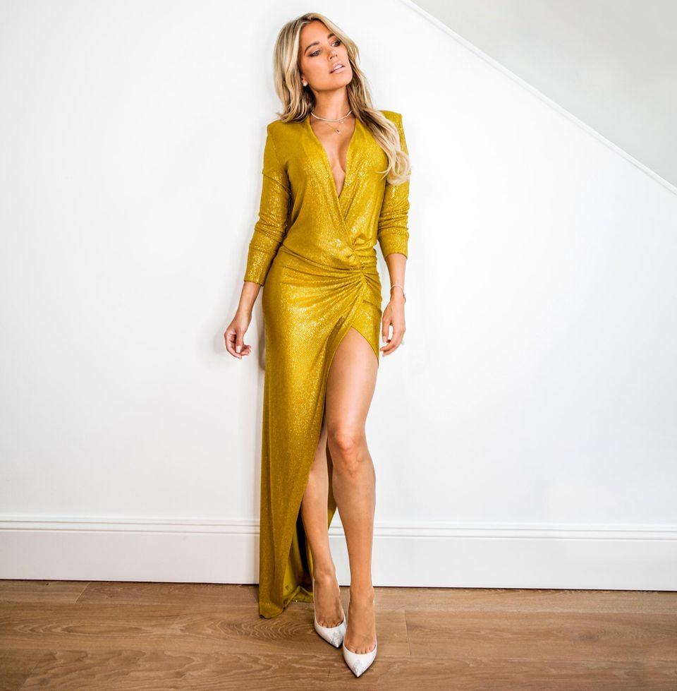 Lieblingsoutfit der Stars: Sylvie Meis in goldenem Kleid