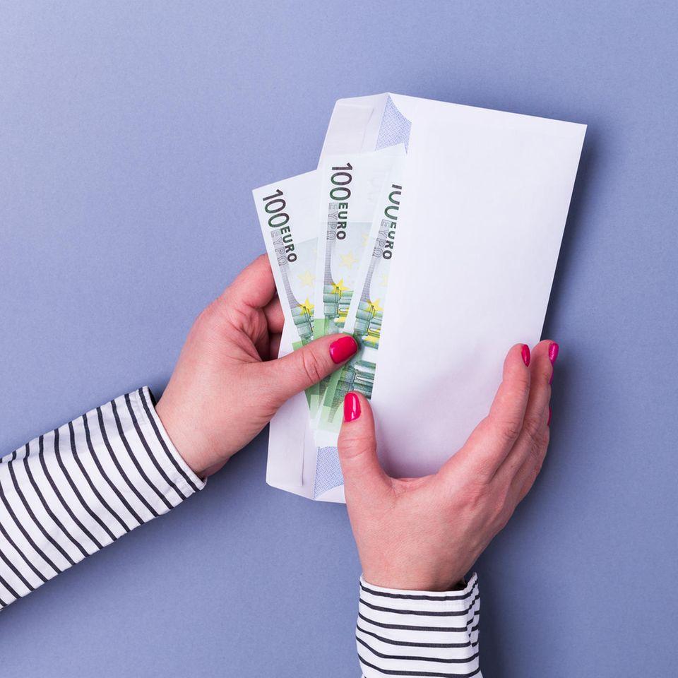 Bargeld per Post verschicken: Darum ist es verboten