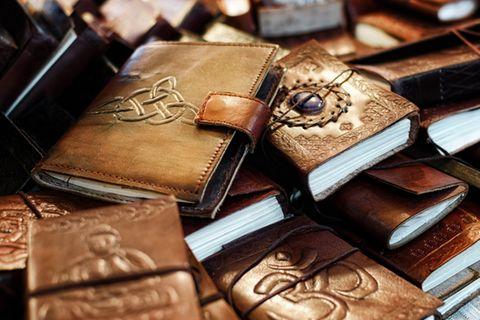 Keltische Symbole: Buch mit Symbolen.